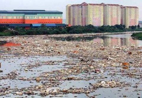 klang river rubbish